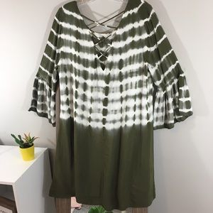 Entro Tie Die Tunic 3/4 Bell Sleeve Strappy back